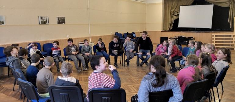 Bölcső Nagycsaládosok Csongrádi Egyesülete Pályázati Felhívása hátrányos helyzetű tanulók, fiatalok számára